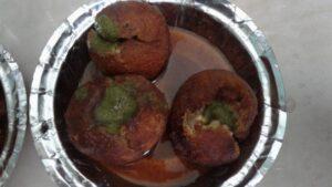 Indore ki Mashoor Coconut Vada Chat!