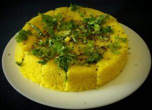 Gujarati Snacks: Instant Rava Dhokla!